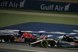 Max Verstappen, Scuderia Toro Rosso STR11 en Nico Hulkenberg, Sahara Force India F1 VJM09