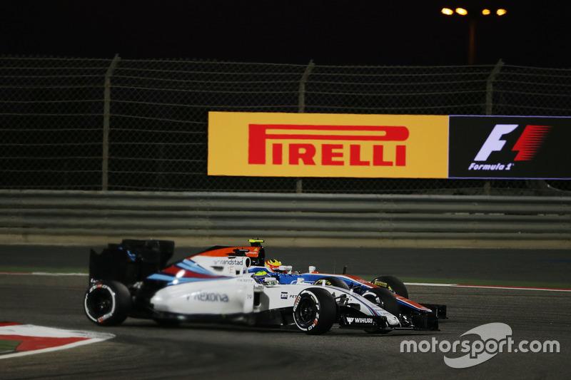 Felipe Massa, Williams FW38 y Rio Haryanto, Manor Racing MRT05