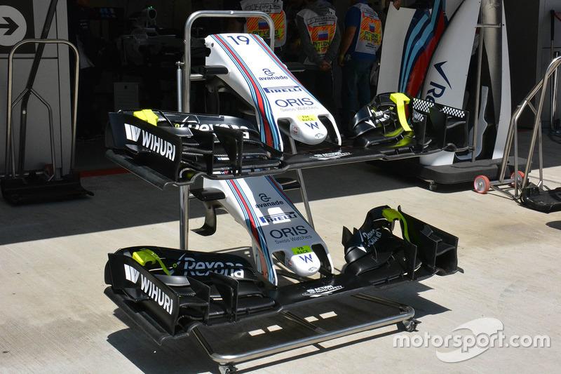 Williams FW38, nuova ala anteriore