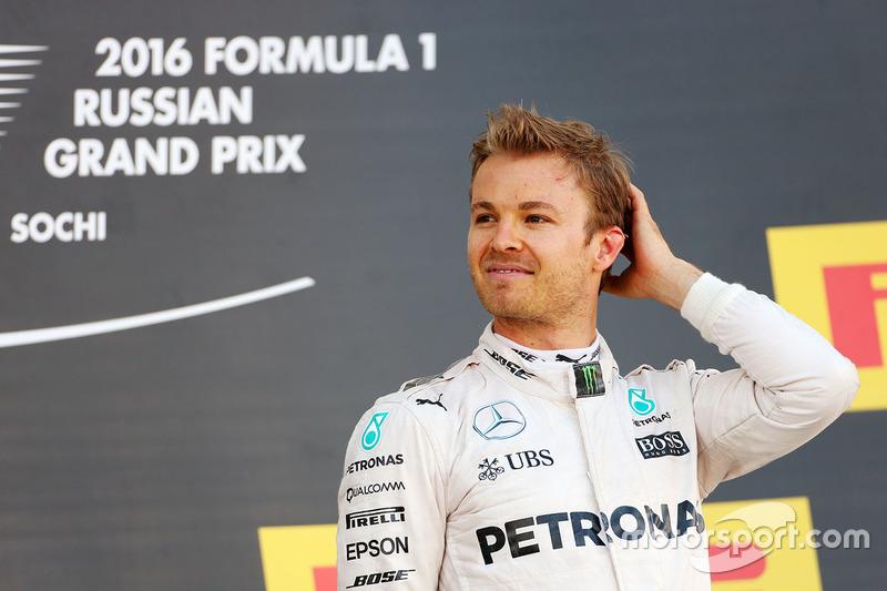 Podio: gandor Nico Rosberg, Mercedes AMG F1 Team