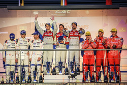 Podium: Sieger Lucas di Grassi, Loic Duval, Oliver Jarvis, Audi Sport Team Joest; 2. Romain Dumas, Neel Jani, Marc Lieb, Porsche Team; 3. Matheo Tuscher, Dominik Kraihamer, Alexandre Imperatori, Rebellion Racing