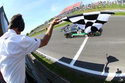 #86 HTP Motorsport Mercedes AMG GT3: Jules Szymkowiak, Bernd Schneider takes the win