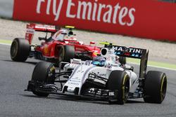 Valtteri Bottas, Williams FW38 leads Kimi Raikkonen, Ferrari SF16-H