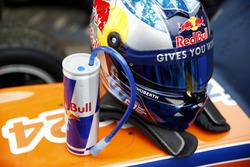 Helmet of David Beckmann, kfzteile24 Mテシcke Motorsport, Dallara F312 - Mercedes-Benz