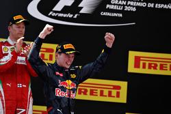 Max Verstappen, Red Bull Racing viert zijn eerste overwinning
