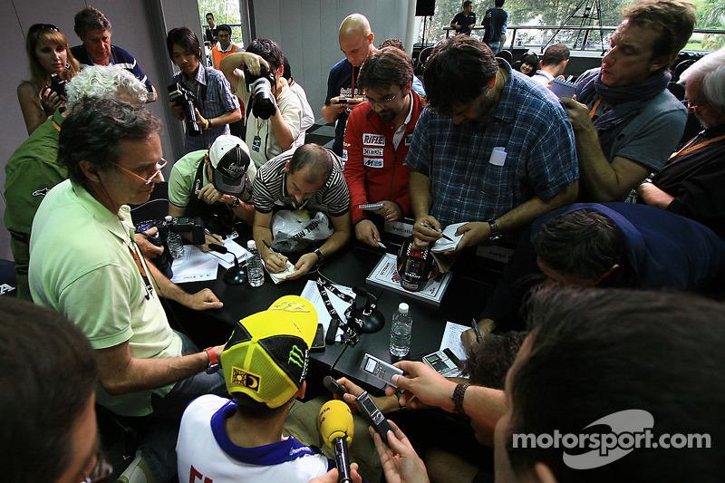 Conferencia de prensa: ganador de la pole Valentino Rossi, Fiat Yamaha Team