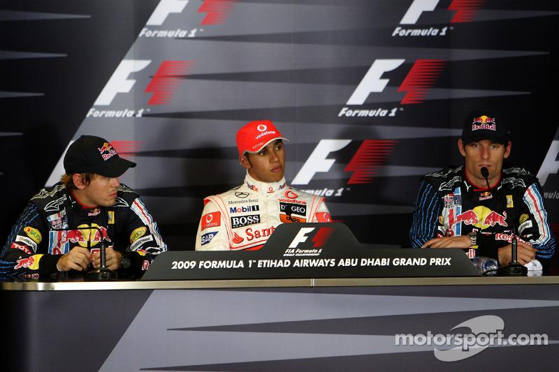 Conferencia de prensa de la FIA: Ganador de la pole Lewis Hamilton, McLaren Mercedes, segundo puesto Sebastian Vettel, Red Bull Racing y el tercero Mark Webber, Red Bull Racing