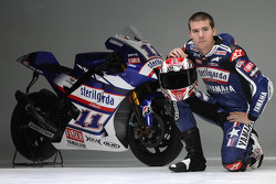 Ben Spies with his Yamaha YZR-M1 for the Valencian GP