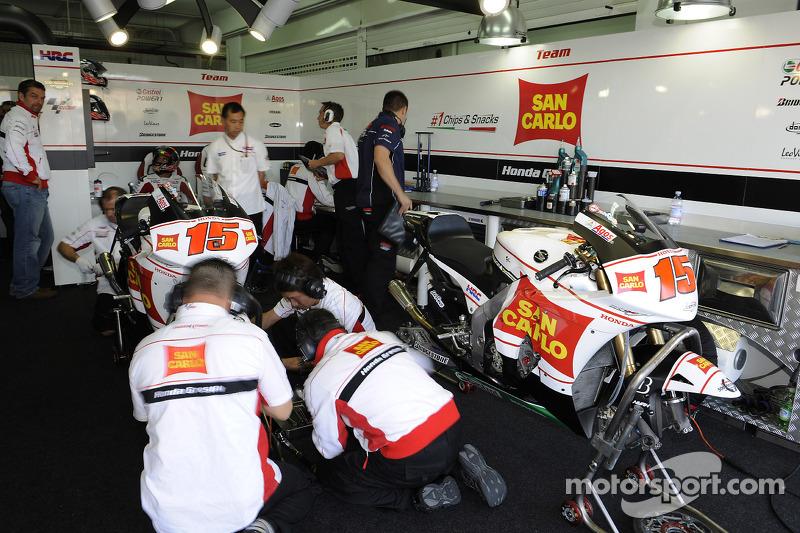 San Carlo Honda Gresini pitbox