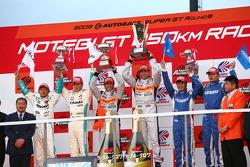 GT500 podium: winner #8 Arta NSX: Ralph Firman, Takuya Izawa: second place #36 Petronas Tom's SC430: Juichi Wakisaka, Andre Lotterer, third place #17 Keihin NSX: Koudai Tsukakoshi, Toshihiro Kaneish