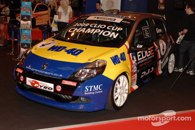 La Clio Cup 2009 victorieuse de Phil Glews