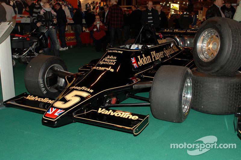 JPS Lotus F1