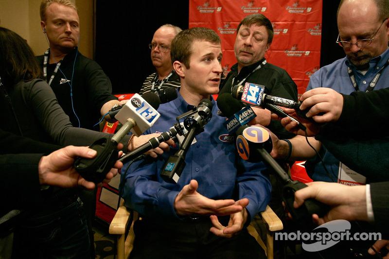 Kasey Kahne (N°9, Pilote NASCAR Sprint Cup Series pour le Richard Petty Motorsports) parle de la saison 2010 à venir