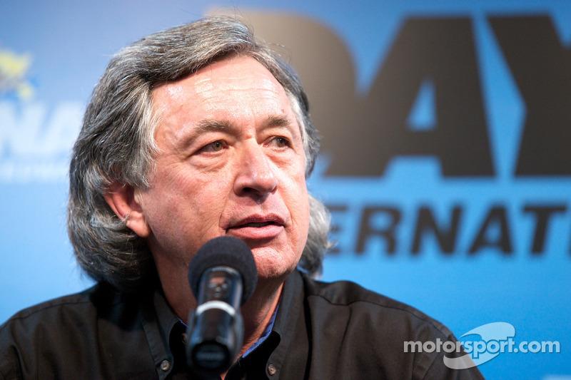 Bob Stallings explique que la #99 est trop endommagée et ne courra pas les 24 heures de Daytona, tetis que la #98 est en piste