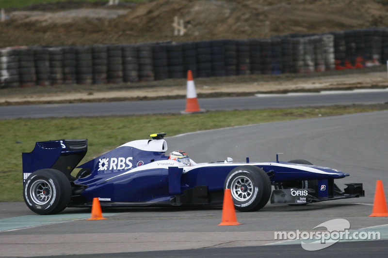 2010: Williams FW32