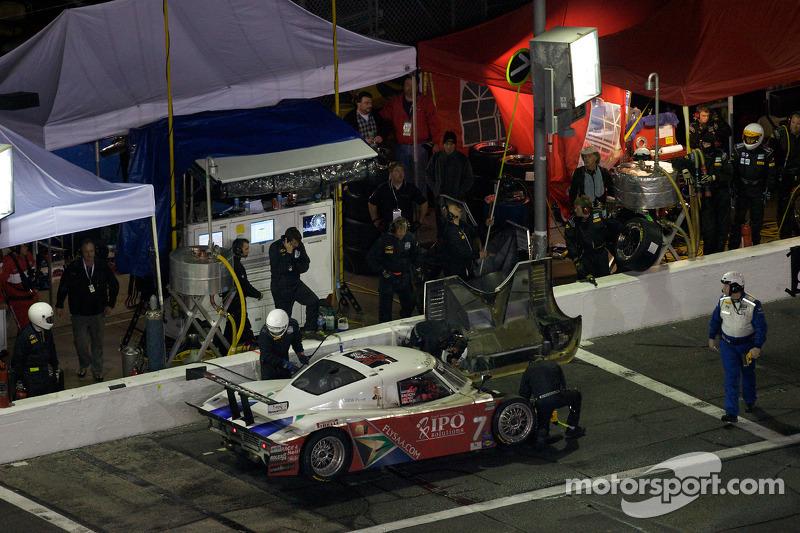 Arrêt aux stands pour #7 Starworks Motorsport BMW Riley: Mike Forest, Bill Lester, Dion von Moltke