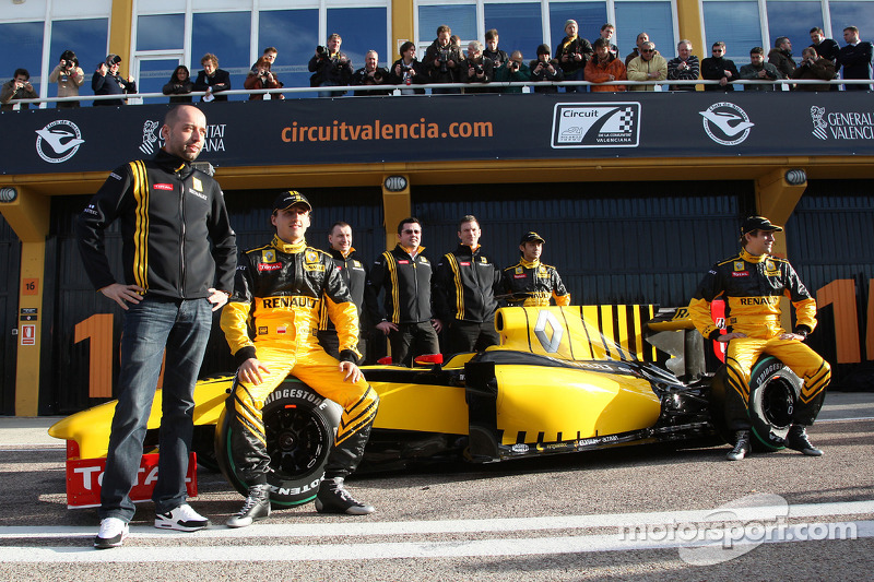 Gerard Lopez Genii Capital, Renault F1 Team, Robert Kubica, Renault F1 Team, Eric Boullier, Team Principal, Renault F1 Team, Ho-Pin Tung, Test Driver, Renault F1 Team, Vitaly Petrov, Renault F1 Team