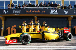 Jerome D'Ambrosio, Test Driver, Renault F1 Team, Robert Kubica, Renault F1 Team, Vitaly Petrov, Renault F1 Team, Ho-Pin Tung, Test Driver, Renault F1 Team with the R30