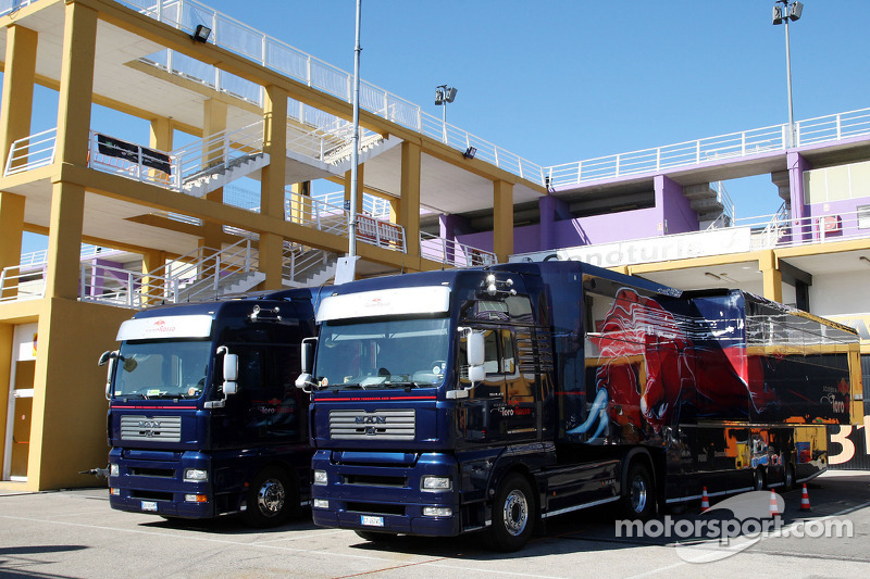 Camions Scuderia Toro Rosso