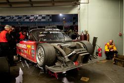 Réparation de mi-épreuve pour #77 Doran Racing