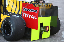 Renault F1 Team, R30, cover the rear of the car
