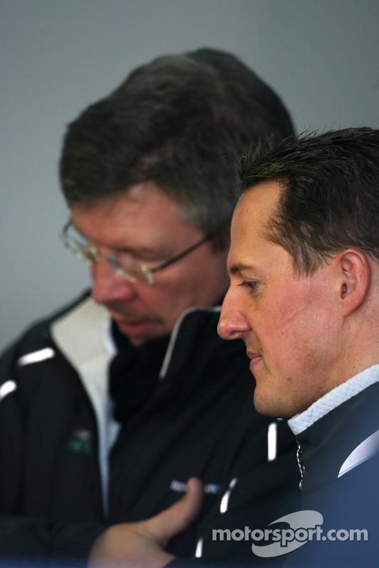 Michael Schumacher, Mercedes GP y Ross Brawn, director de equipo, Mercedes GP