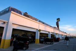 Garage activity at 7am
