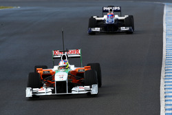 Paul di Resta, Test Driver, Force India F1 Team, VJM03 leads Rubens Barrichello, Williams F1 Team, FW32
