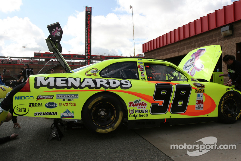 Richard Petty Motorsports Ford van Paul Menard