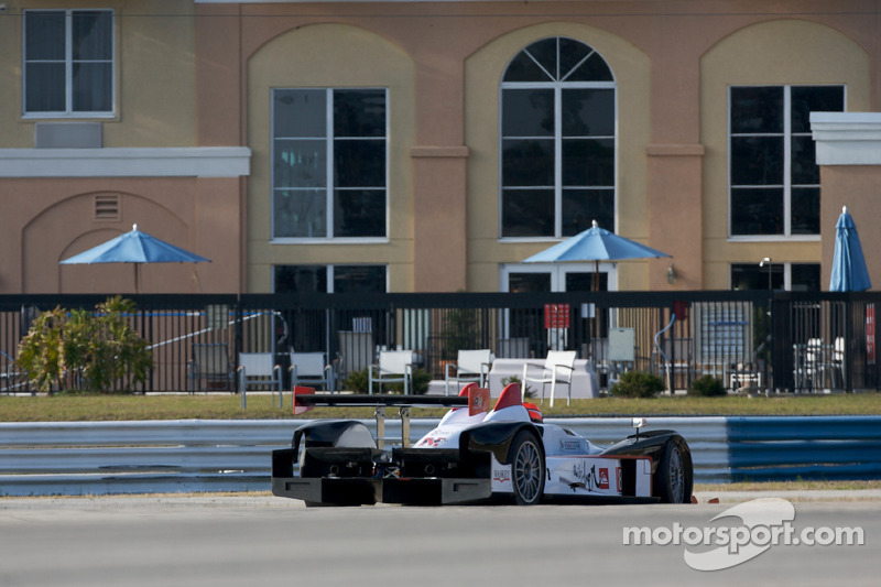 Spin voor #89 Intersport Racing Oreca FLM09: Mitch Pagerey, Brian Wong