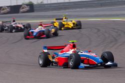 Davide Valsecchi rijdt voor Oliver Turvey