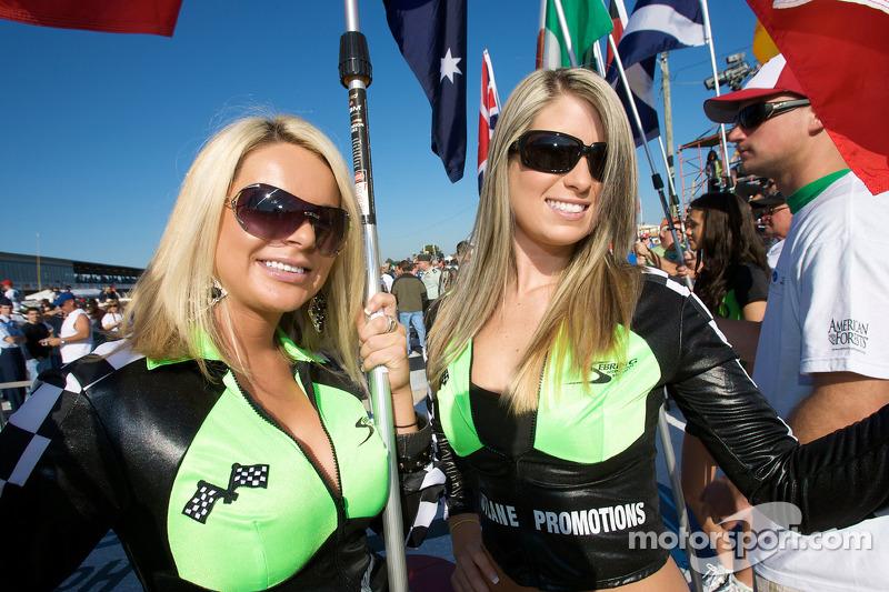 Schattige vlag meisjes