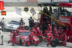 Pit stop for Kasey Kahne, Richard Petty Motorsports Ford
