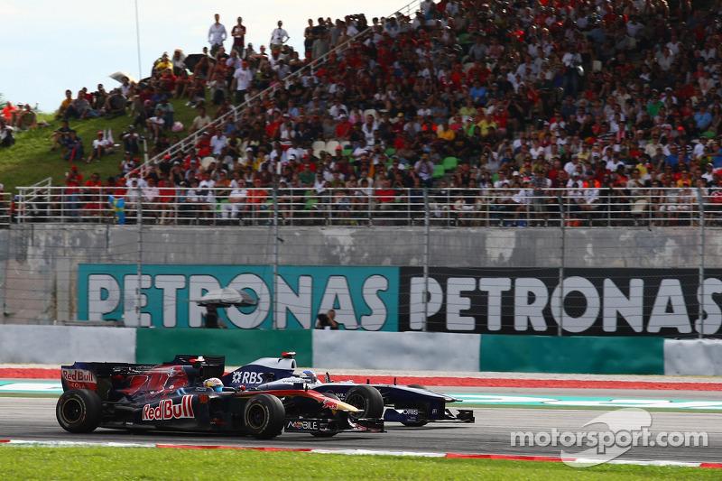 Sebastien Buemi, Scuderia Toro Rosso en Rubens Barrichello, Williams F1 Team
