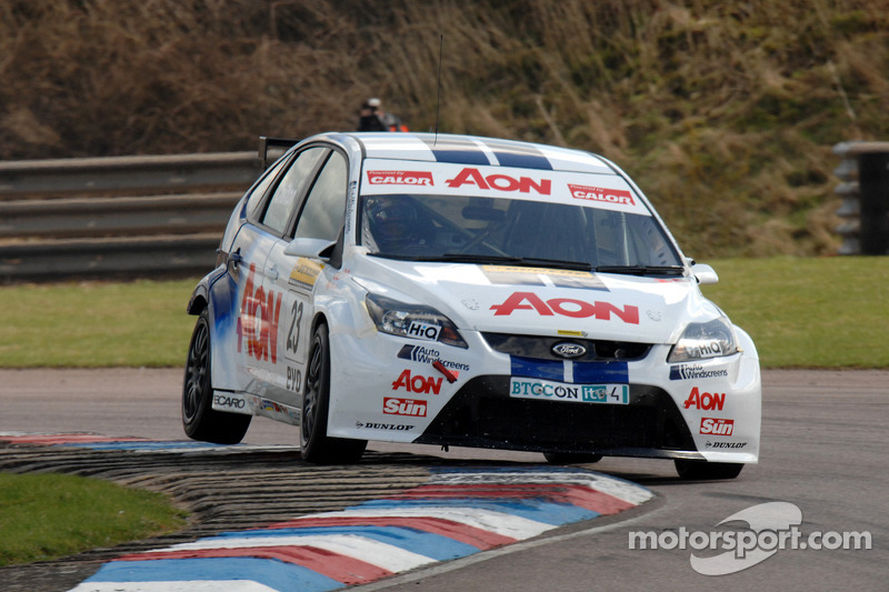 Tom Chilton Team AON Ford Focus