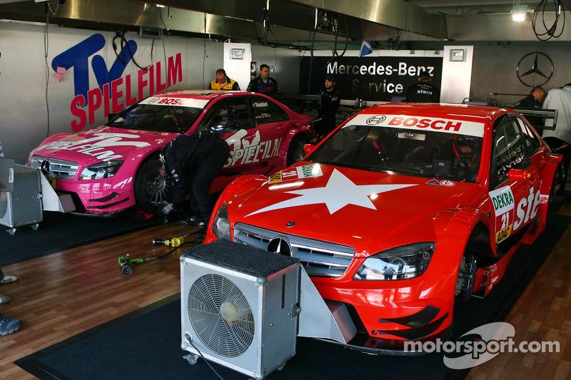 Auto's van Congfu Cheng, Persson Motorsport, AMG Mercedes C-Klasse en Susie Stoddart, Persson Motors