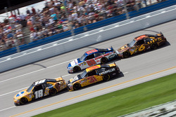 Kyle Busch, Joe Gibbs Racing Toyota, Jeff Burton, Richard Childress Racing Chevrolet, Dale Earnhardt Jr., Hendrick Motorsports Chevrolet, David Ragan, Roush Fenway Racing Ford