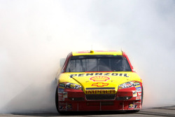 Race winner Kevin Harvick, Richard Childress Racing Chevrolet celebrates