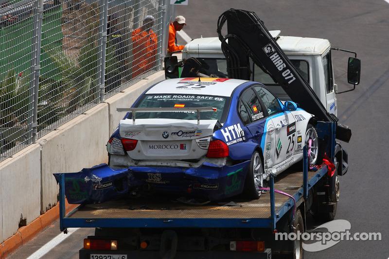 Crashte auto van Sergio Hernandez, Scuderia Proteam Motorsport, BMW 320si