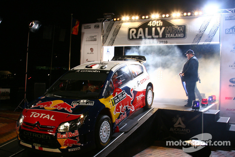 Startceremonie voor Sébastien Loeb en Daniel Elena, Citroën C4, Citroën Total World Rally Team