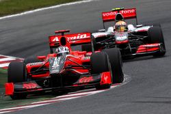 Timo Glock, Virgin Racing voor Lewis Hamilton, McLaren Mercedes