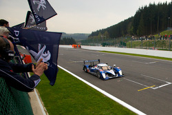 #2 Team Peugeot Total Peugeot 908 HDi-FAP: Franck Montagny, Stéphane Sarrazin, Nicolas Minassian takes the checkered flag to finish second