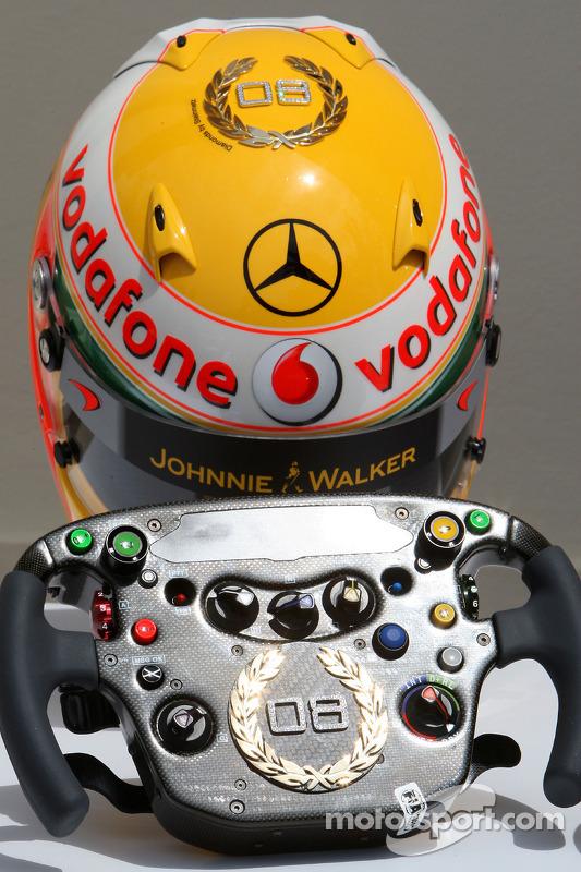 Lewis Hamilton, McLaren Mercedes, Monaco-editie helmen en stuurwielen met Steinmetz diamanten