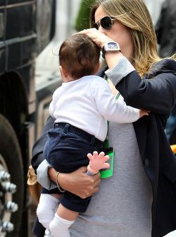 Rafaela Bassi, Wife of Felipe Massa with son Felipinho