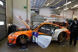 #9 Porsche Team Manthey Porsche GT3 R Hybrid