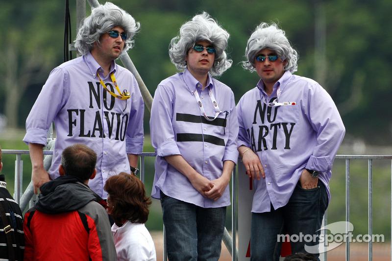 Fans of Flavio Briatore