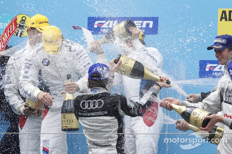 Podium: champagne
