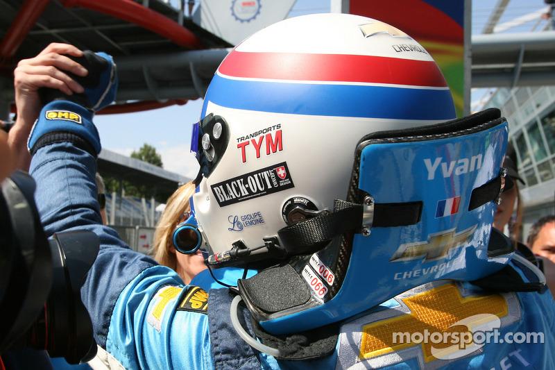 Race winnaar Yvan Muller, Chevrolet, Chevrolet Cruze LT