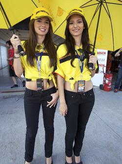 The lovely Dunlop girls
