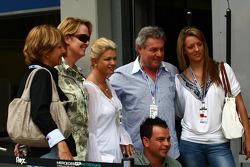 Corina Schumacher, Corinna, vrouw van Michael Schumacher met vrienden